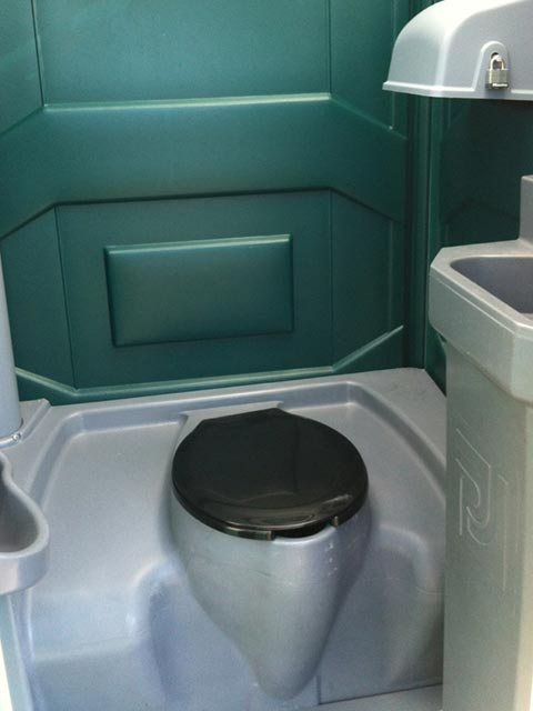 Regular portable with sink interior